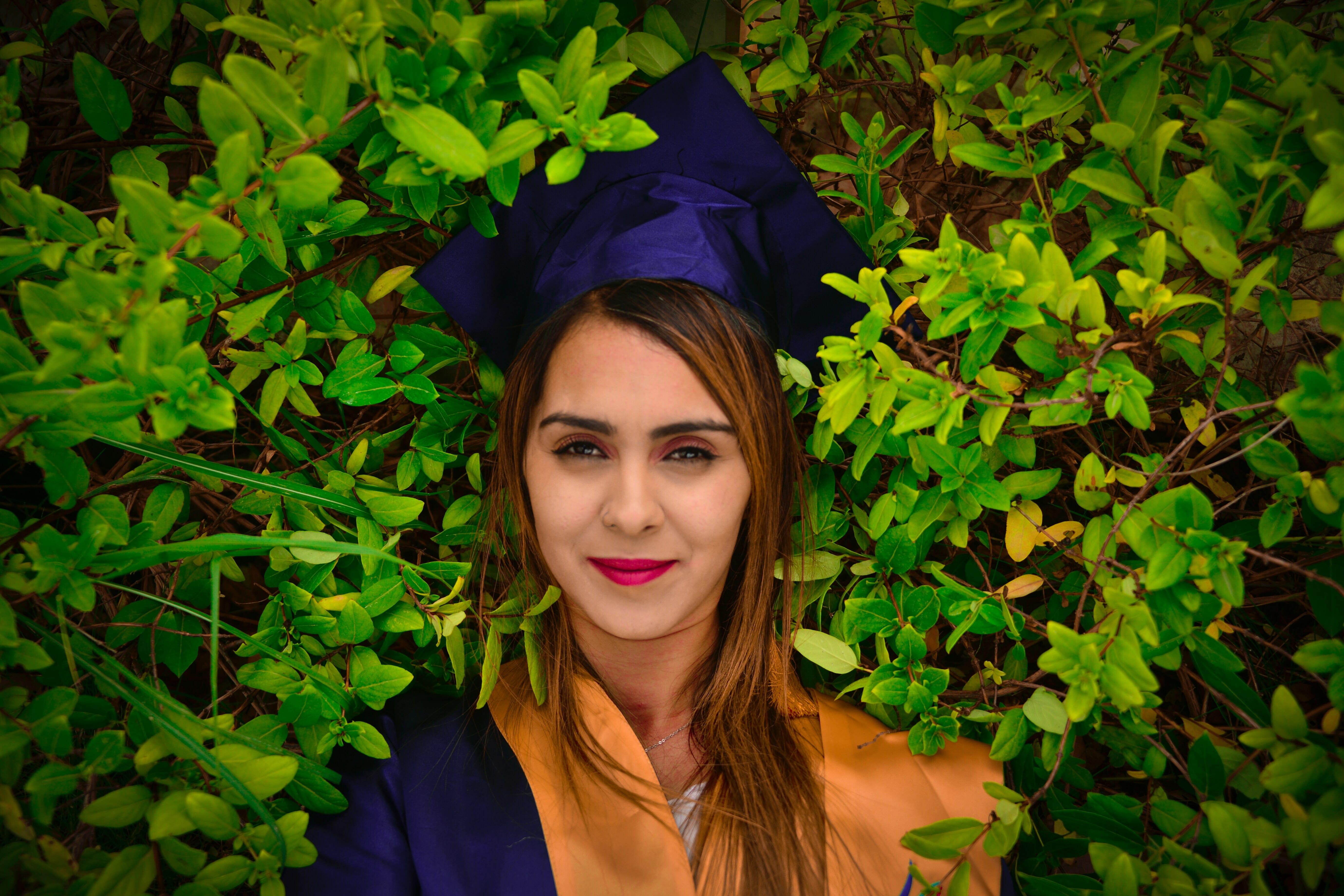 What happens at a graduation ceremony?